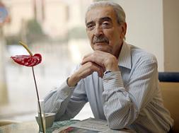 El poeta Argentino Juan Gelman fue distinguido en México con la Medalla de Oro de Bellas Artes