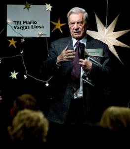 Vargas Llosa escéptico de los libros digitales