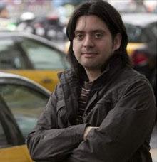Rodrigo Díaz Cortez, el escritor chileno que conquista Barcelona