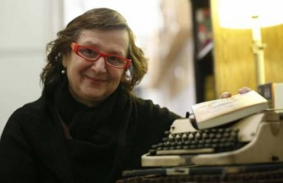 «La muerte juega a los dados» de Clara Obligado —Editorial Páginas de Espuma—